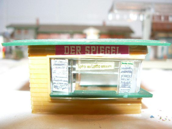 Modellbahn Zubehör gibts bei http://www.modeltrainfigures.com