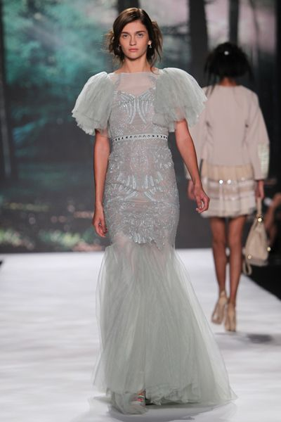 Pretty, no? Here are 4 more dresses that'll make you feel like a fairy princess, from the Badgley Mischka spring show.