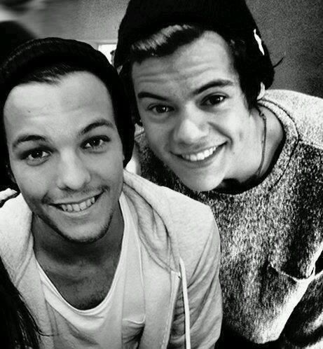 Lou and Harry forever Larry