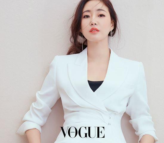Pin On Korean Celebrity Fashion