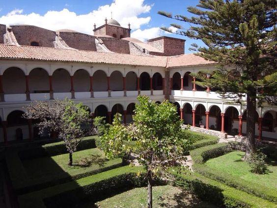 Claustro del Convento San Francisco del Cusco