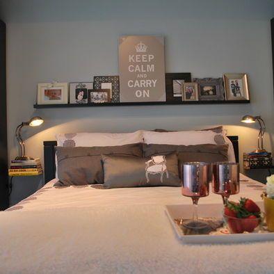 love the floating books instead of bedside tables shelf. Black Bedroom Furniture Sets. Home Design Ideas