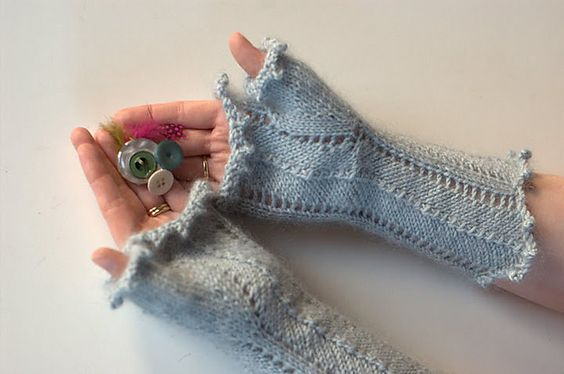 Jacquithisisknit's Snuggly Mitts