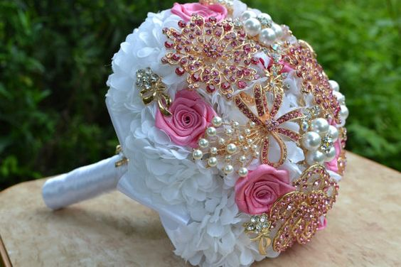 Wedding brooch bouquet, pink Gold white