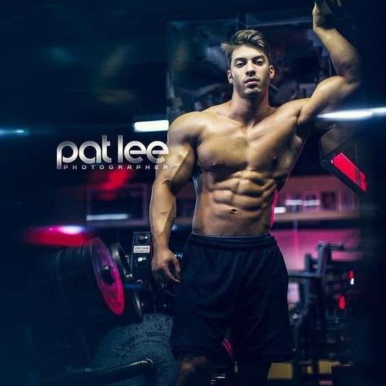 Alex Davis by Pat Lee  @alexdavis291   @alexdavis291   @alexdavis291   Pat Lee is based in Chicago and available for photography video and media projects.  patlee@patleemedia.com  #muscle #bodybuilding #fitness #fitfam #gym #fitspiration #shredded #abs #aesthetics #instagood