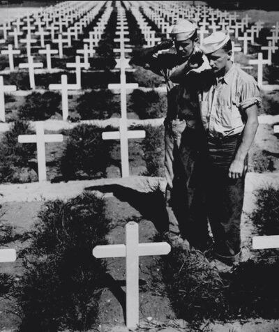 2 sailors pay silent homage to fallen comrade 1945