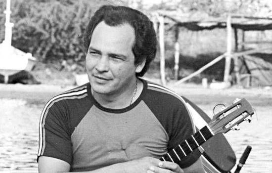 El día en que el cuatrista Hernán Gamboa (Anzoátegui, 1946- Buenos Aires, 2016) conoció que su ahijado, Cheo Hurtado, quería dedicarse en exclusivo a la interpretación del instrumento musical venezolano, le pidió a un luthier que fabricara para él (...)