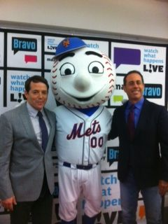 Mr. Met hangs with Jerry Seinfeld and Matthew Broderick