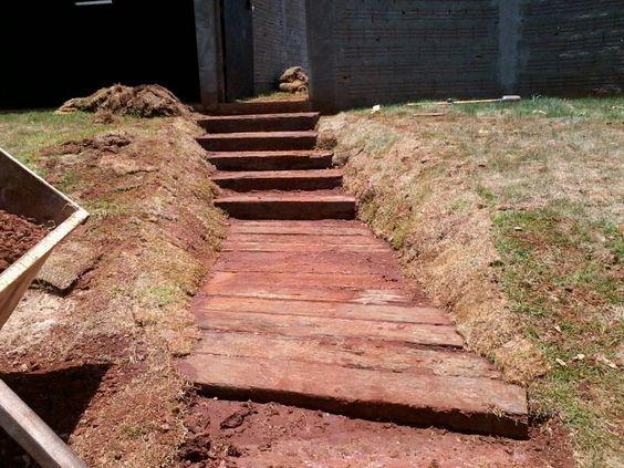 Escada madeira demoliçāo www.dormentec.com.br
