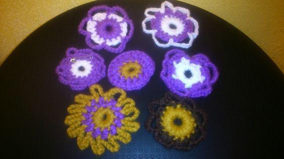 Flores de lana. Aguja números 7 (crochet).