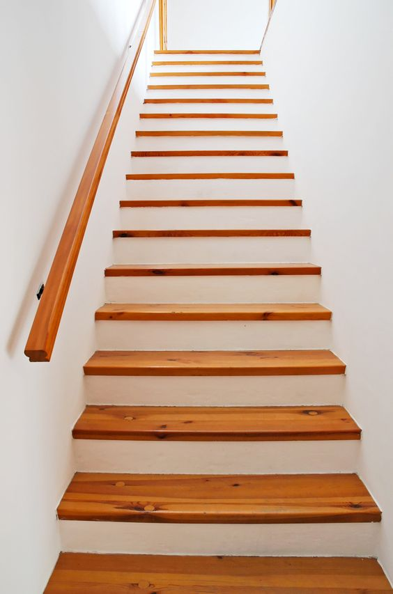 Best Simple Timber Treads And Painted Risers Stairs 400 x 300
