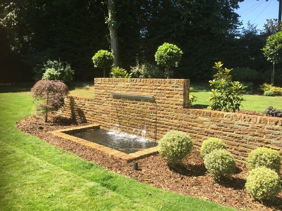 Water feature using a 1.5 metre wide water blade