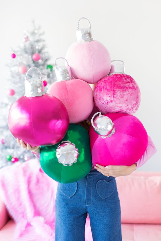 DIY: ornament pillows