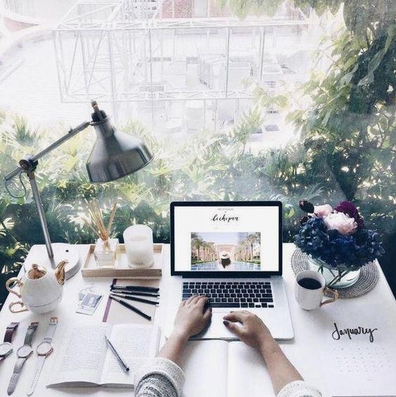 aesthetic, apple, computer, desk, inspiration - image #4615280 by Sharleen on Favim.com