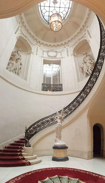 Panorama vertical de la escalera / por ncs1984: