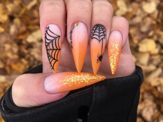 Halloween Nails You Must Try In 2020 Closingfashion In 2020 Halloween Nails Halloween Nail Designs Nails