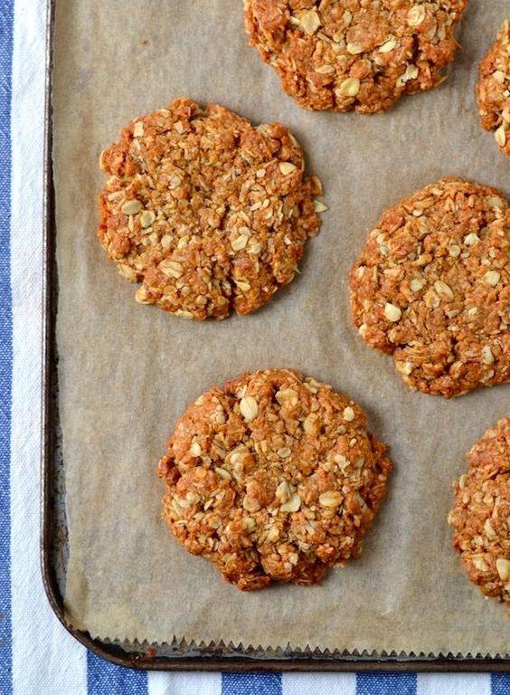 Vegan Chewy Coconut-Oat Cookies (Gluten-free)  | coconutandberries.com:
