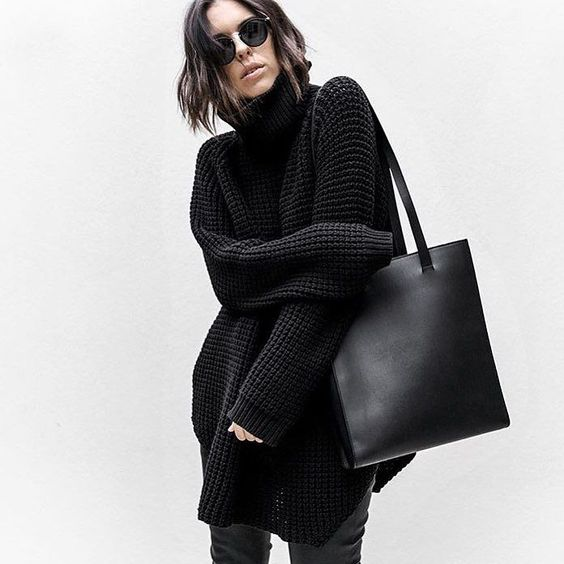 Minimal weekend style by @kaity_modern |  62 tote | #plus_equals #modern #leathergoods