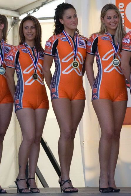 3rd place - Olympic cameltoe team... WOW! That just looks painful ...