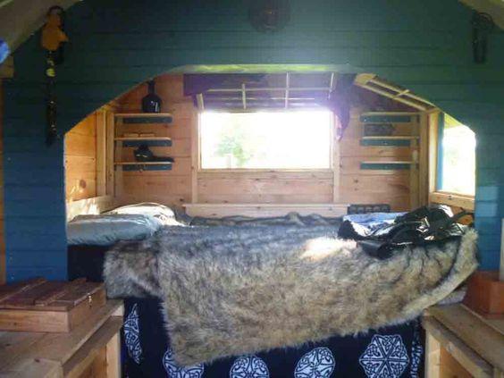 Daphne's Caravans ::: Magical Retreats :::
