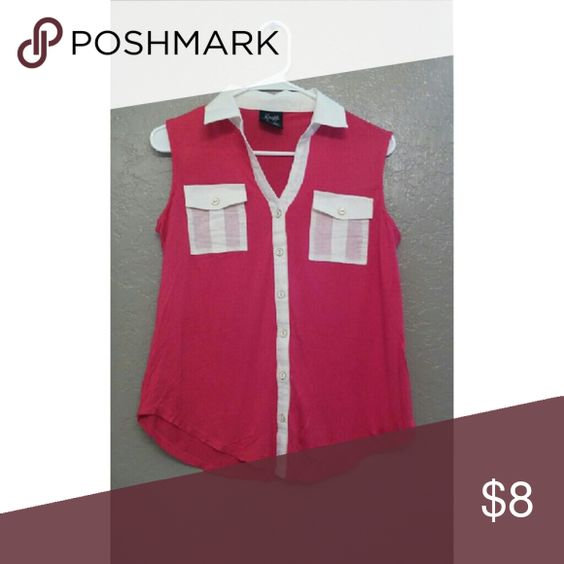 ?? Pink and white shirt  In perfect condition barley used Has all of its buttons Tops
