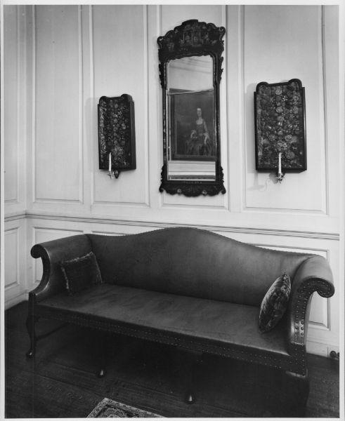 Readbourne Parlor Sofa, Andre Kertesz, Winterthur