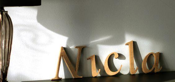 Nome scritto in legno...lettere di legno grezze da decorare a piacimento
