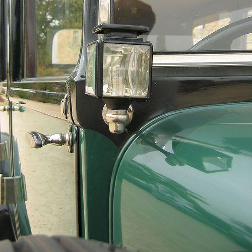 Hispano Suiza T49 Limusina por J. Forcada - Farol de iluminación         MANUEL GONZALEZ