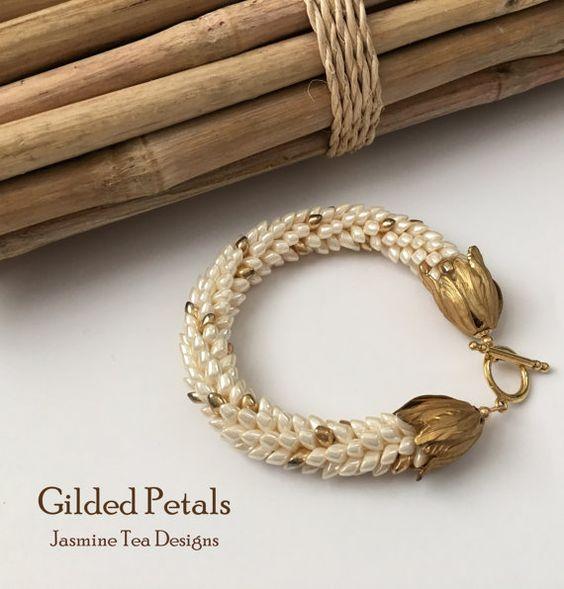 Antique Ivory Pearl Ceylon Bracelet Gold von JasmineTeaDesigns