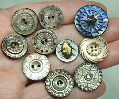 10 Carved MOP Pearl Shell Buttons