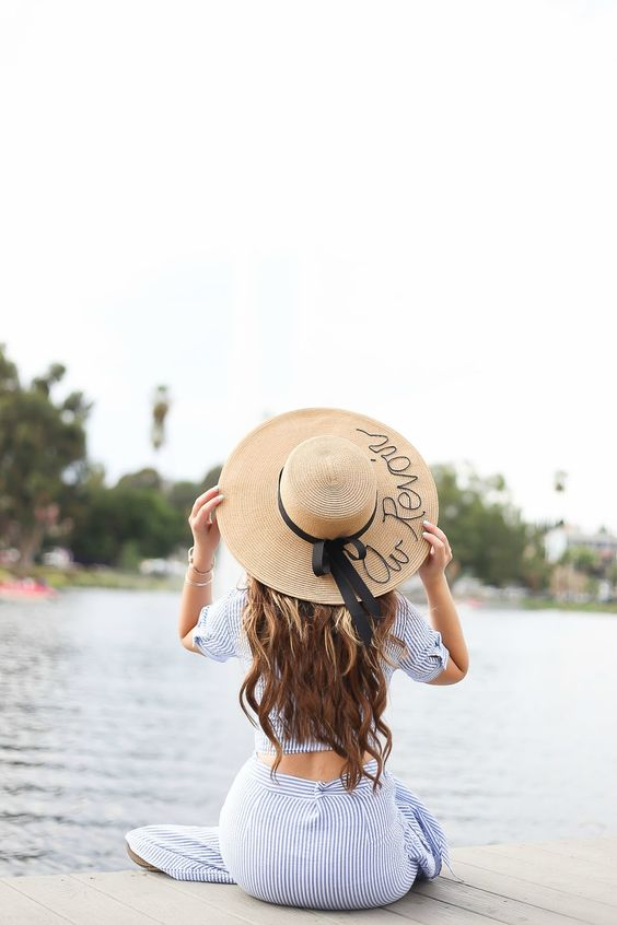 DIY Straw hat, Au Revoir, French words www.stilettobeats.com #DIY: