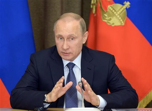 My Way News - Putin signs Russian law to shut 'undesirable' organizations