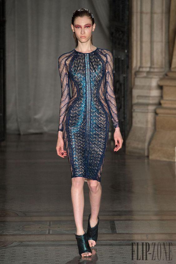 Julien Macdonald Outono-Inverno 2014-2015 - Prêt-à-porter - http://pt.flip-zone.com/fashion/ready-to-wear/independant-designers/julien-macdonald-4567 - ©PixelFormula