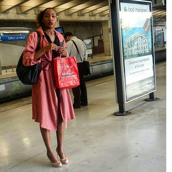 #stolenpic #fashion #streetphotography #picoftheweek #picoftheday #sarysweetsary #sary #gasy #madagascar #malagasy #railroad #train