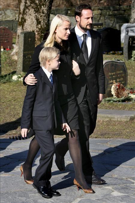 Famille héritière de Norvège avec le 1er fils de la princesse mette marit