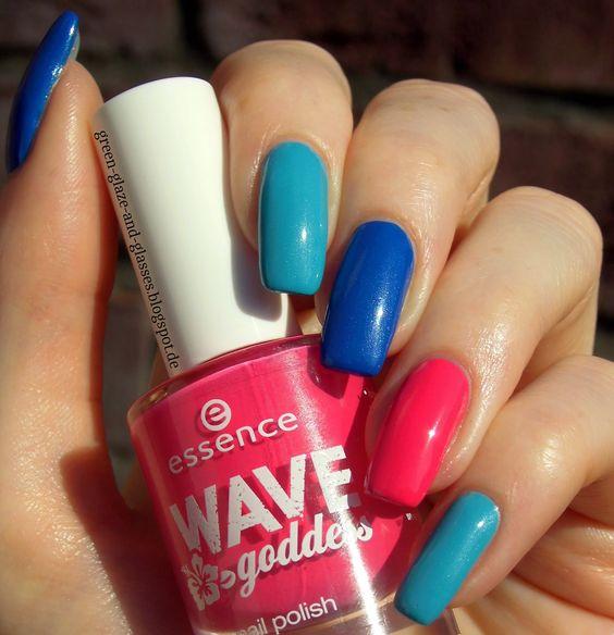 Green, Glaze & Glasses: Blue Saturday (Blue Friday) - Essence Wave Goddess LE