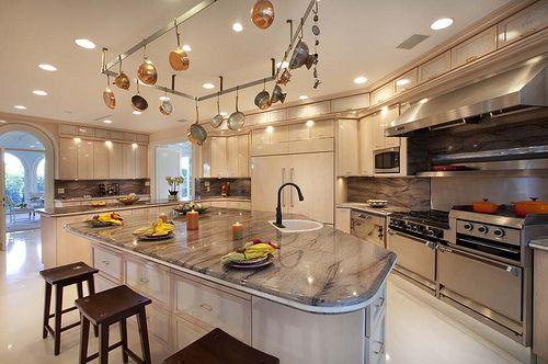 Casa Moderna por Jet House Automação Residencial