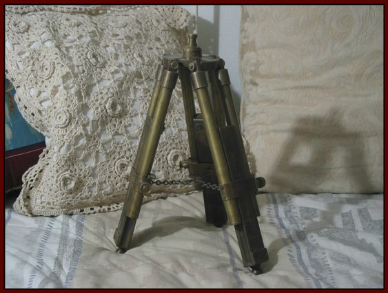 TELESCOPE TRIPOD Small Solid Brass Old World Look Desk And Table Friendly Used  IMG 1859  http://ajunkeeshoppe.blogspot.com/