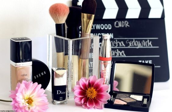 Riesige Auswahl sämtlicher Top-Marken zu günstigen Preisen im Bereich Make-up!
