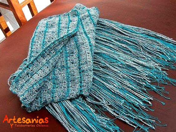 Cúbrete del fío con nuestras bufandas, creadas con lanas naturales, alpaca, lino; Oveja; Algodón.   Consulta por nuestras exclusivas bufandas  y ponchos elaboradas en cueros naturales.   #ArtesaniasyTalabarterias #AccesoriosChile