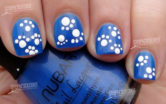 Love the pawprints! Maybe I'll use this design and color if I go to my high school homecoming game as an alumnae.: Paw Nail, Kentucky Wildcat, Wildcat Nail, Paw Print Nail, Nail Design, Pawprint