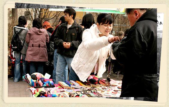 Chợ Hongdae - nơi mua bán lý tưởng của những sản phẩm thủ công