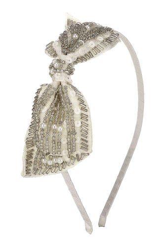 Accessorize headband