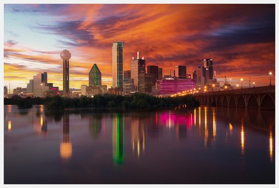 Dallas-skyline-at-dusk-with-reflection