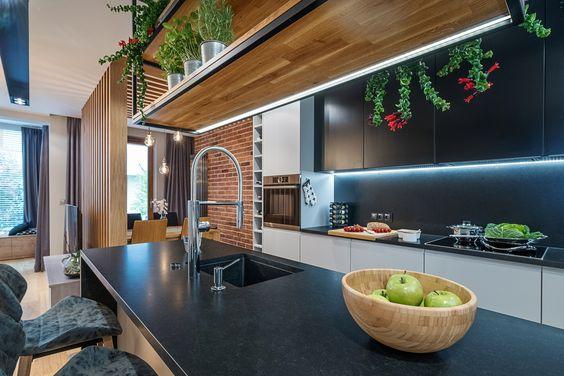 Blat Wyspy Razem Ze Zlewem Pelni Funkcje Mycia Przygotowywania Posilkow I Krojenia Produktow Spozywczych Kuchnia Aranzac Breakfast Bar Furniture Home Decor