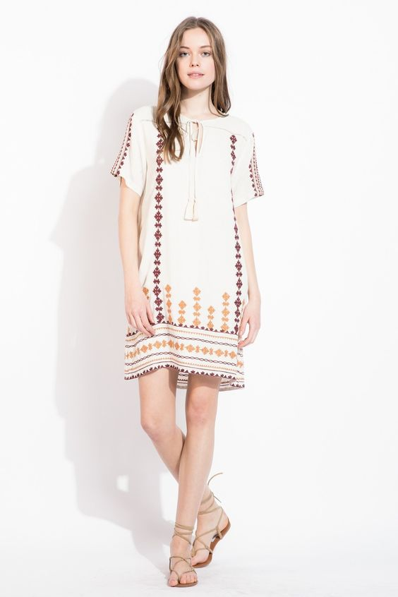 The longer length on this embroidered shift dress is perfect for any vacation outfit! Would look amazing for a trip to Greece.
