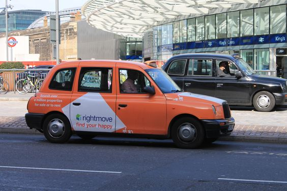 Taxi in London King's Cross station