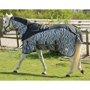 The Rhinegold Masai Combined Outdoor/Fly Rug has a 600 denier, waterproof,  ripstop