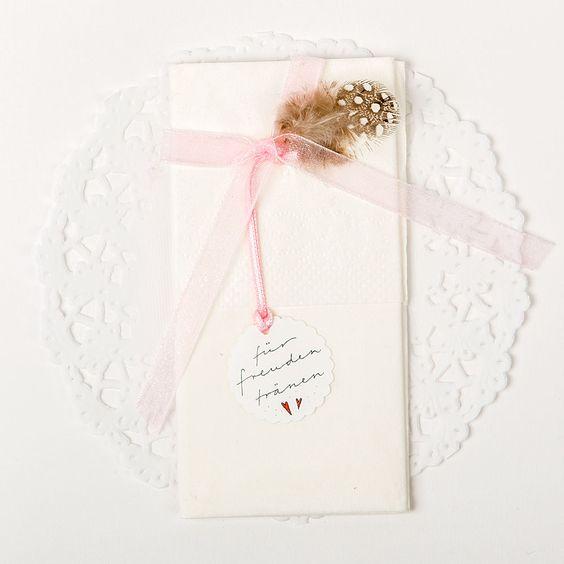 Karten zur Geburt oder sonstige emotionale Ereignisse: Für Freudetränen | Bluehouse Karte Claudia Itten | Karten | Q-Design Winterthur, Schweiz