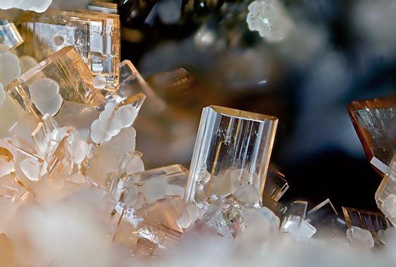 Phosphosiderite, FePO4 · 2H2O, Folgosinho Quarry, Folgosinho, Gouveia, Guarda District, Portugal. Fov 1.63 mm. Photo loparit
